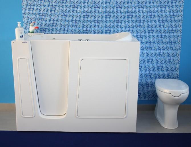 Piccola Vasca Da Bagno Nella Quale Si Sta Seduti : Cosa facciamo e prodotti premier bagni